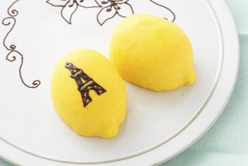 レモンケーキにチョコデコレーション,エッフェル塔
