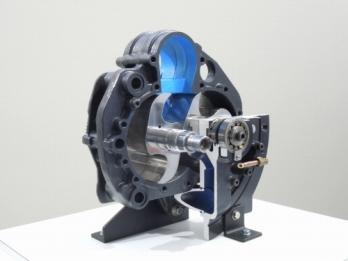 アネスト岩田オイルフリークロ2段圧縮機