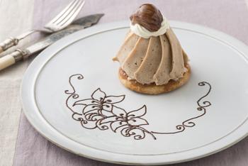 百合のお皿チョコレートデコレーション